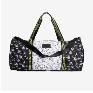 VS PINK FLORAL DUFFLE BAG